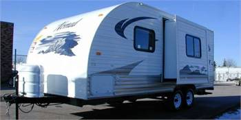 Travel Trailer - 1 Slide Out Nomad Lite - RV Rental