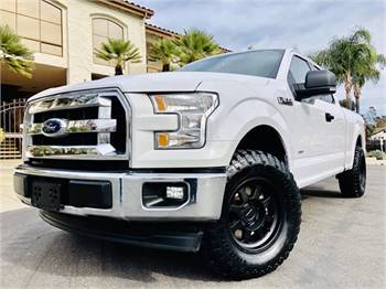 2017 Ford F-150 Turbo *Lifted*