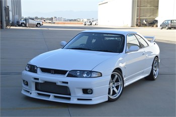 How to Buy and Store a JDM Car Overseas - 1995 Nissan Skyline GT-R