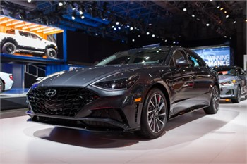Only One Thing to Say About the 2020 Hyundai Sonata -Damn! | WATCH VIDEO
